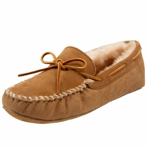 The Minnetonka Men's Sheepskin Softsole Moccasin Slipper