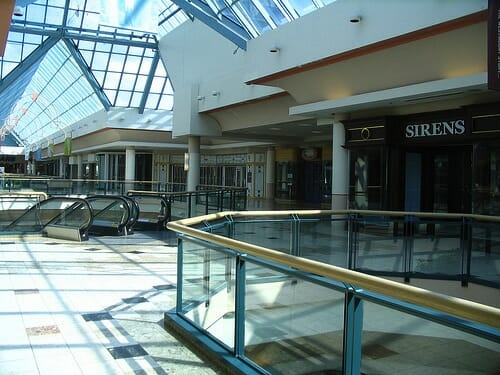 9-Westmount-Mall–London-Ontario-Canada